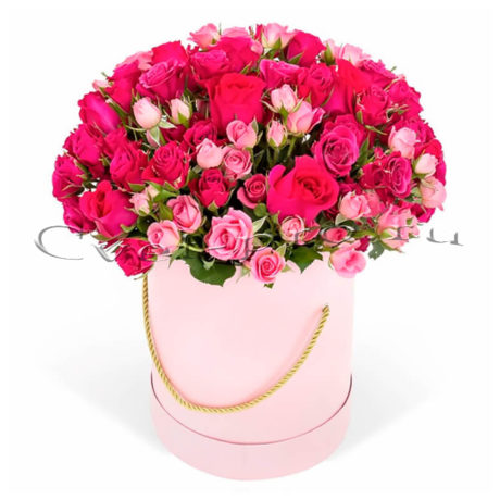 Цветы в коробке Безмятежная юность, купить цветы Тольятти