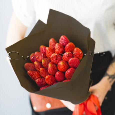 Букет Клубничная мечта M • Купить цветы Тольятти