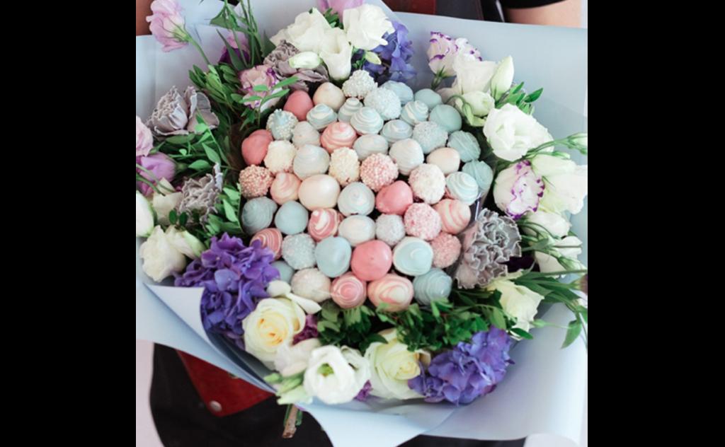 клубника, клубника купить, клубника Тольятти, букеты из клубники и цветов